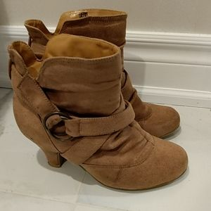 Shoes - Suede booties - Size US 8.5